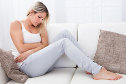 Тянущая боль внизу живота как симптом миомы матки